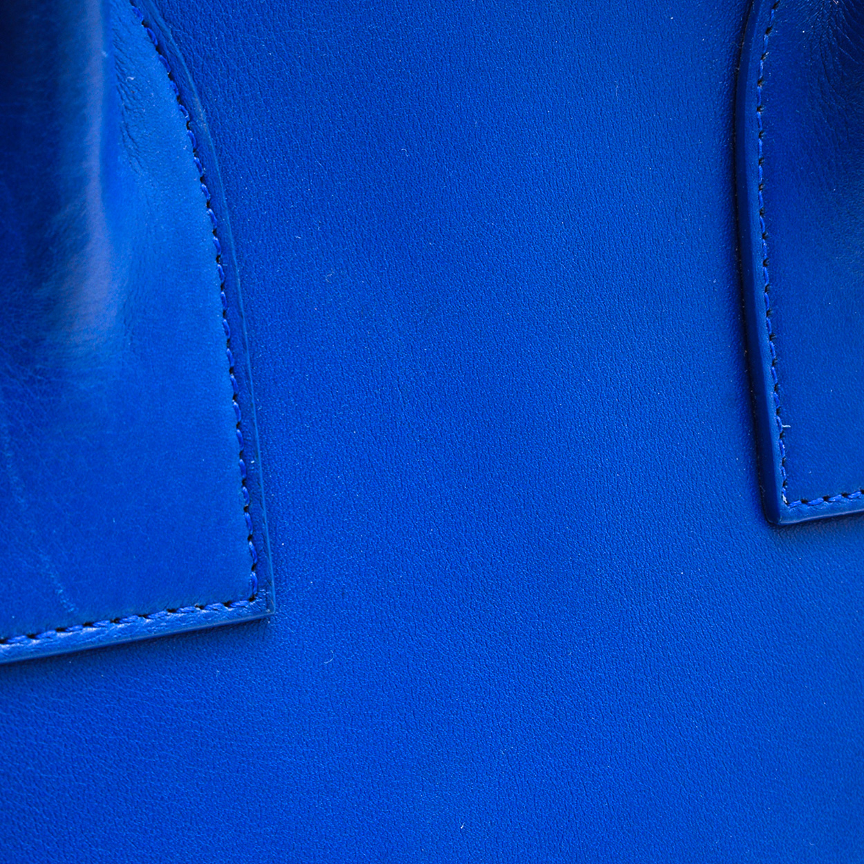 Yves Saint Laurent - Royal Blue Calfskin Leather Classic Medium Sac De Jour Bag